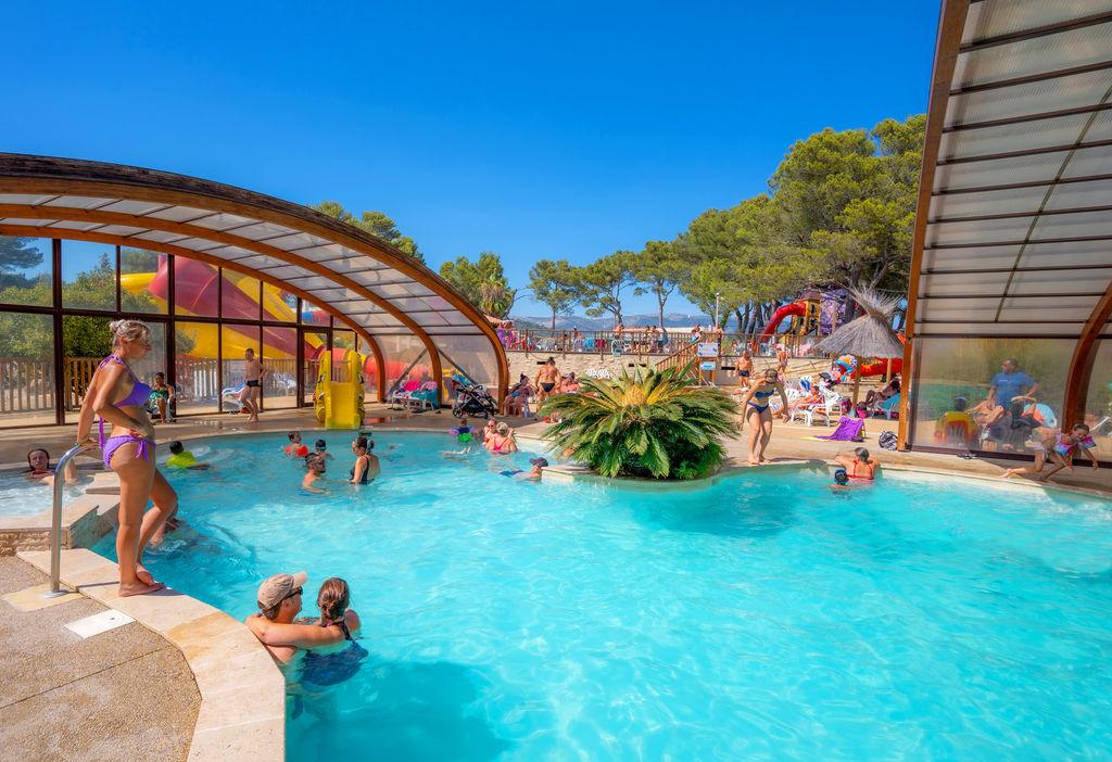 Camping arbois du castellet le castellet provence alpes for Camping lavandou avec piscine