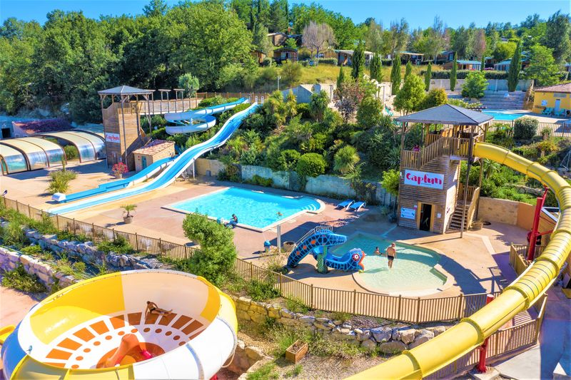 Camping le carpe diem vaison la romaine provence alpes for Centre de vacances avec piscine couverte
