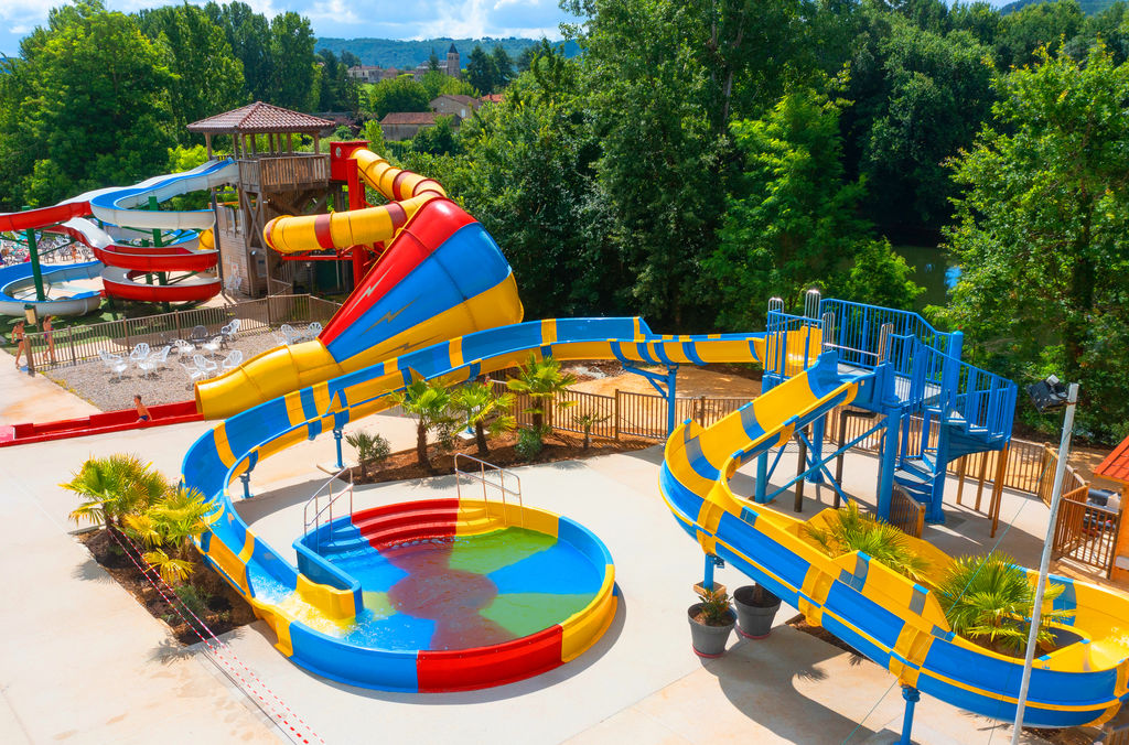 Camping domaine duravel duravel midi pyr n es for Camping gorges du tarn avec piscine