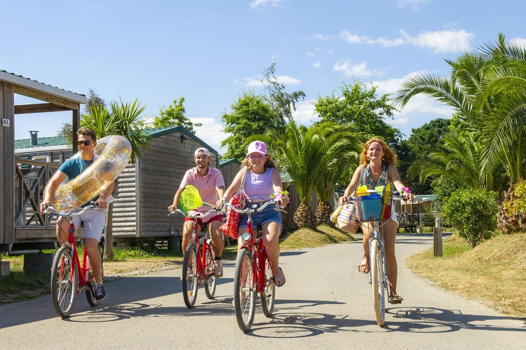 Camping grand large en bord d 39 oc an fouesnant bretagne - Camping en bretagne avec piscine ...