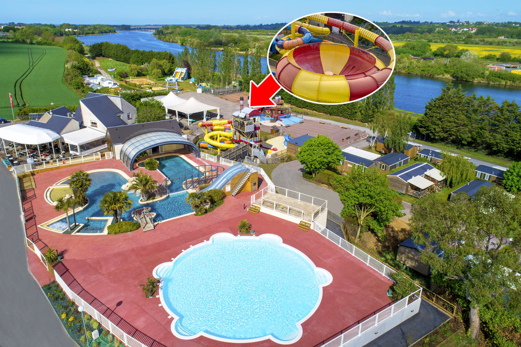 Camping hautes coutures r server en ligne sur for Camping piscine normandie