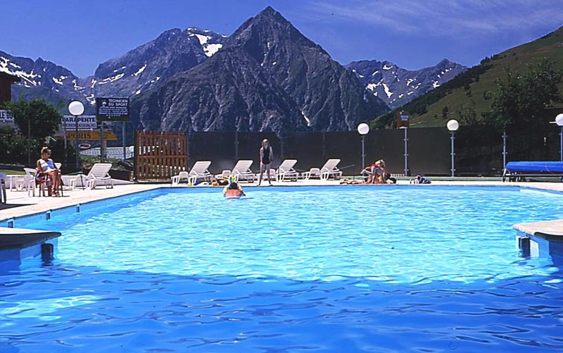 Campings et r sidences capfun camping location mobil for Piscine 2 alpes
