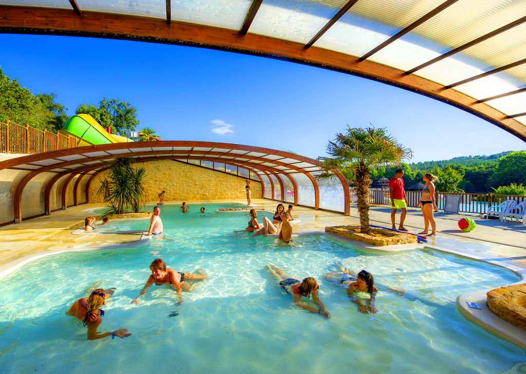 Camping moulinal biron aquitaine for Camping sarlat avec piscine