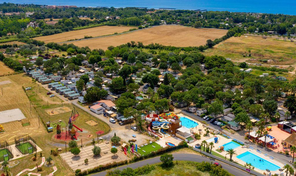 Camping Ondines En Bord De Mer  Vias Sur Mer Languedoc Roussillon