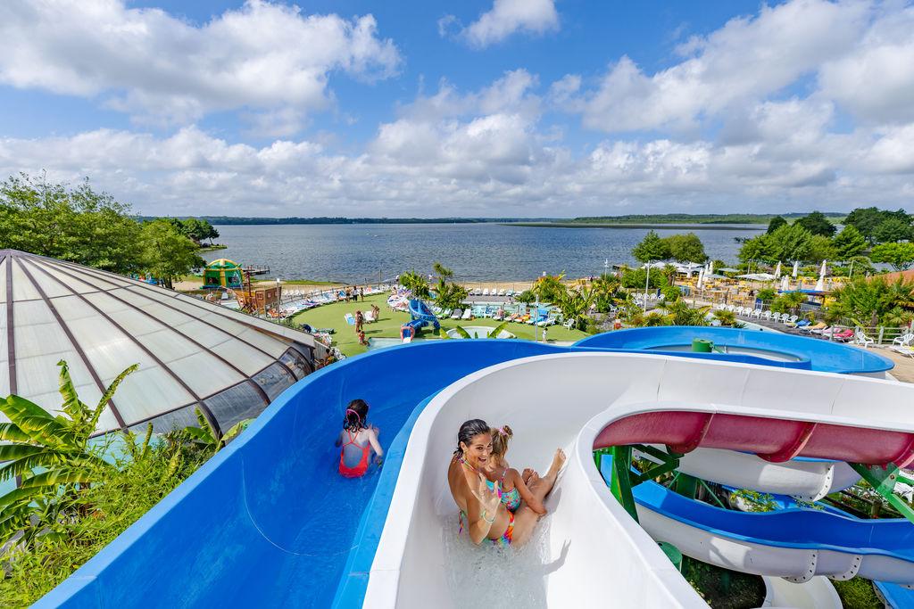 Camping paillotte en bord d 39 oc an azur aquitaine for Camping en las landas con piscina cubierta