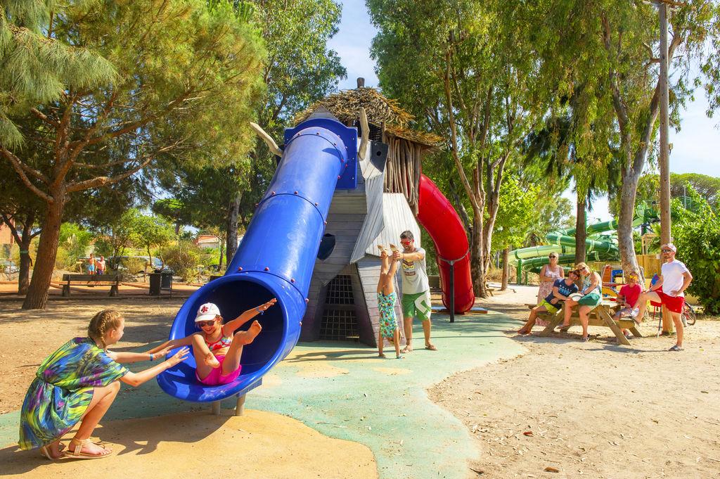 Camping Parc Et Plage En Bord De Mer  Hyeres Les Palmiers Provence