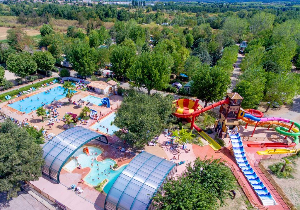 Camping soubeyranne remoulins languedoc roussillon for France piscine